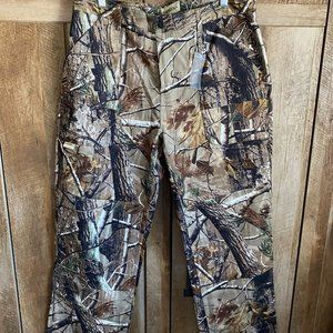 New with tags Camo Pants size Large